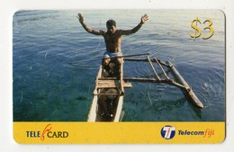 FIDJI TELECARTE 3$ Pirogue Date 2002 - Fidji