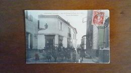 CARTE POSTALE ANCIENNE- GIRONDE 33 - PODENSAC - RUE DU CHATEAU PLACE DE LA HALLE MAISON ROUSSEAU - ANIMEE - Francia
