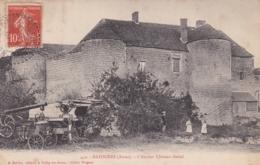 02 - BAZOCHES - L'ancien Château Féodal. Batteuse à Vapeur. - Autres Communes