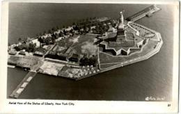 61hf  934 NEW YRK CITY - STATUE OF LIBERTY - New York City