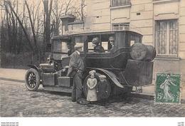 TRANSPORT .n°54471. Carte Photo.autobus.les Nains Béarnais. Les Sportmen Ne Détiennent Pas Le Record De La ... - Autobus & Pullman