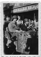 AYWAILLE - LIBERATION : Jeep U.S. Devant L'Hôtel Du Luxembourg - War, Military