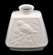 Blackwood Papagájos Fehér Mázas Porcelán Váza, Jelzett, Hibátlan, M: 17 Cm - Porselein & Ceramiek