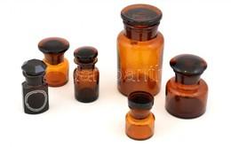 Régi Gyógyszeres üvegek, 6 Db, Változó állapotban, Lepattanással, Kis Karcolásokkal, Kis Kopásokkal, M: 14 Cm és 6 Cm Kö - Glass & Crystal