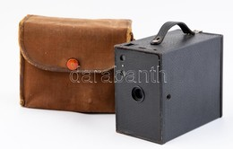 Cca 1920 Kodak Eastman Brownie No. 2A Model C (Kanada) Boksz Fényképezőgép, Kis Kopással, Keresője Hiányos, Eredeti Tokj - Cameras