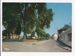 CP 02 FRESNOY LE GRAND Place Vatin - France
