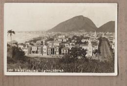 CPA BRESIL - RIO DE JANEIRO - COPACABANA - Très Belle Photographie Avec TB Détails Maisons Quartier + Avenue - Rio De Janeiro