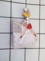 516b Pin's Pins / Beau Et Rare / THEME : SPORTS / CLUB VOLLEY-BALL FEMININ ESL LONGUYON - Voleibol
