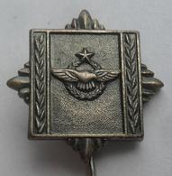 JNA, VAZDUHOPLOVNA VOJNA AKADEMIJA AVIATION  MILITARY ACADEMY  JUGOSLAVENSKA ARMIJA YUGOSLAV ARMY PINS BADGES S - Militares