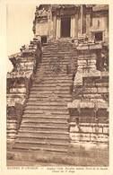 Cambodja      Ruines  Angkor Vath  Escalier Latéral       M 3160 - Cambodia