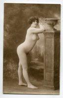 NU French Charm 033 Jean  AGELOU JA Série 63 Femme Nue Cambrure Reins Fesses Appuyée Colonne   EROTISME - Fine Nudes (adults < 1960)