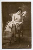 NU French Charm 043 Edit VB Série 188 Jeune Femme Fauteuil Jambes Croisées Bas Noirs Poitrine Nue  EROTISME - Fine Nudes (adults < 1960)