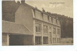 Yvoir Une Partie Des Classes De L'Institut De Lourdes - Yvoir