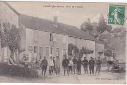 52 LANNES Place De La Mairie Avec Soldats - France