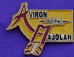 MM  265.....JEUX / SPORTS /..............AVIRON.....Aviron Majolan Est Un Club D'aviron Français - Pin's