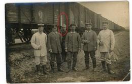 Soldatenleben - Soldaten Vor Eisenbahn Zug Bajonett -   WWI Carte  Photo Allemande - Guerre 1914-18