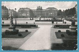 LILLE - Place De La République Vers La Préfecture - Photo Véritable Circulé 1957 - Lille