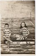 Cpa Gard - Carte-photo Montage Le Grau De Roi , Enfants Dans Bateau,maillots Rayés, Phare - Le Grau-du-Roi