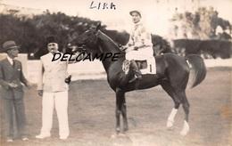"EGYPTE- ALEXANDRIE- Champ De Courses Propriétaires Cheval ""LIRA"" Et Son Jockey. Carte Photo Zachary's Press Agency 1935 - Horse Show"