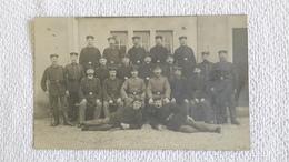 Postkarte Gruppenfoto Soldat 1 WK Militär Soldaten - 1914-18