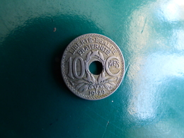 10  Centimes  1929 Decentrée - France