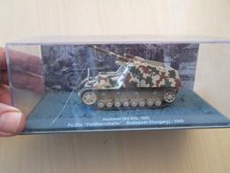 CARTONCAV / Modèle Réduit Char  Allemand 39/45 HUMMEL SD.KFZ 165 , état Comme Neuf - Panzer