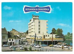 CP BOSANSKA GRADISKA, NOMBREUSES AUTOS VOITURES, BOSNIE HERZEGOVINE - Bosnië En Herzegovina
