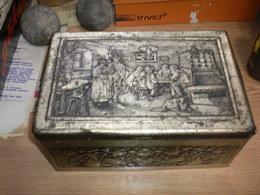 Old Tin Box Subotica Szabadka Braca RUFF Tvornica Cokolada I Bonbona 26x16x11cm - Boxes