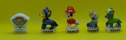 Fève - La Pat Patrouille 2019 - Lot De 5 Fèves - 4 Chiens : Rocky Marcus Chase Everest Et Le Logo - Animaux