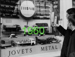 RARE PHOTO FORMAT 18x24 Cm ..................FABULEUSE VITRINE CIJ EUROPARC VERS 1960 - Toy Memorabilia