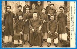 CPA TONKIN - Le R.P. Soubeyre Et Ses Catéchistes - Missions Etrangères De Paris * Religion Catholique - Vietnam
