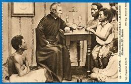 CPA Elèves Catéchistes En NOUVELLE CALEDONIE Mission Des Pères Maristes * Religion Catholique - Nouvelle-Calédonie