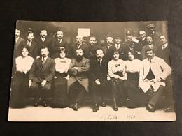 CPA 1923 Carte Photo Ensemble Du Personnel D'une Banque ? Octobre 1914 - Banks