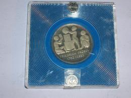 ALEMANIA/RDA PRUEBA EN ESTUCHE ORIGINAL 5 MARCOS 1982 Km 84 (1418) - [ 6] 1949-1990 : GDR - German Dem. Rep.