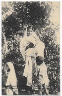 CPA Mission Des Religieuses Ursulines De Thildonck, Une Mère Chrétien Aves Ses 3 Enfants, 1928 - Missions