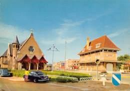 CPM - WESTENDE - Kapel En Tramstatie - Chapelle Et Arrêt Du Tram - Westende