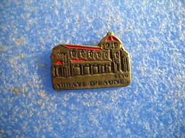 994   PINS Pin's  EAUNES 31 Abbaye Village - Villes
