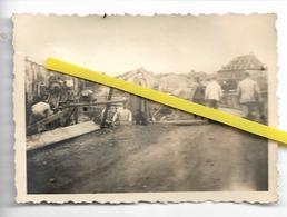 DOUANE FRONTIERE FRANCAISE  A SITUER   SOLDATS ALLEMANDS  RECONSTRUCTION PONT  22 MAI  1940 - Dogana