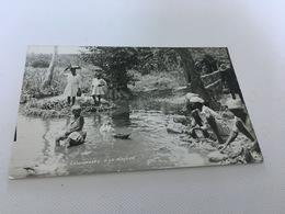 BM - 1400 - Lessiveuses à La Rivière - Postcards
