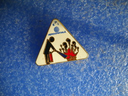 969     PINS Pin's  EPI AEROSPATIALE  POMPIERS Incendie - Brandweerman