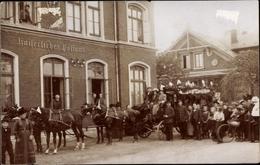 Photo Cp Varel Jadebusen, Kaiserliches Postamt, Gruppenbild, Kutsche - Allemagne