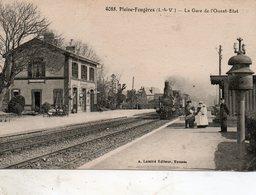 Pleine - Fougères -   La  Gare  De  L' Ouest -  état. - Other Municipalities