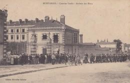 Montargis : Caserne Gudin - Arrivée Des Bleus - Montargis