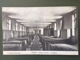 SEDAN-Collège Turenne-Un Dortoir- - Sedan