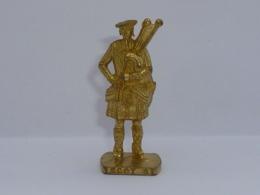 KINDER METAL ECOSSAIS 3 - Metal Figurines