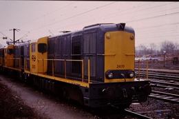Photo Diapo Diapositive Slide Train Locomotive Diesel NS 2470 à Longueau En 1992 VOIR ZOOM - Diapositives