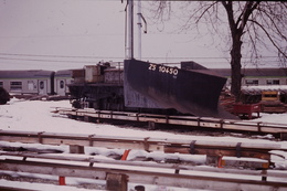 Photo Diapo Diapositive Slide Train Wagon Locomotive Wagon Etrave ZS 10450 à St Gervais En 1992 VOIR ZOOM - Diapositives
