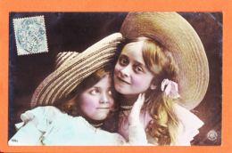 Fant393 Oranotypie Couple Fillettes Grand Chapeau Osier 1906 à Jane GARIDOU Epiciers Port-Vendres GESELLSCHAFT Steglitz - Gruppi Di Bambini & Famiglie