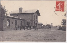 59 CAUDRY Gare Du Cambresis ,attelage Calèche Devant La Gare - Caudry
