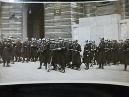 Photo PRESSE Originale : Mobilisation GENDARMES Dans La COUR De La PREFECTURE De POLICE à PARIS _ CIRCA Années 30 40 - Aviación